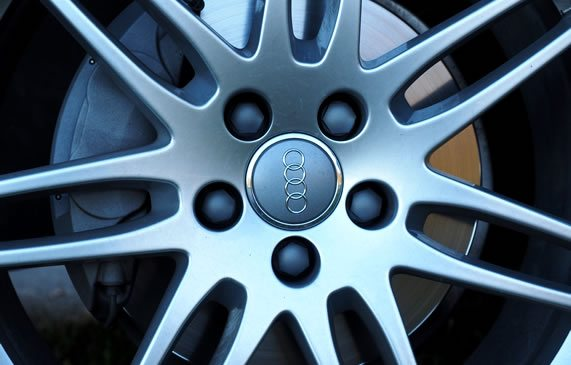 Improve SEO for Audi Vehicle Detail Pages